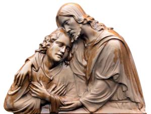 icone en bois, dieu est proche d'en homme et l'entoure de ses bras